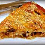 Пирог с курицей и грибами получается очень сочным и нежным. Полезно, сытно и очень вкусно. Берем на заметку.