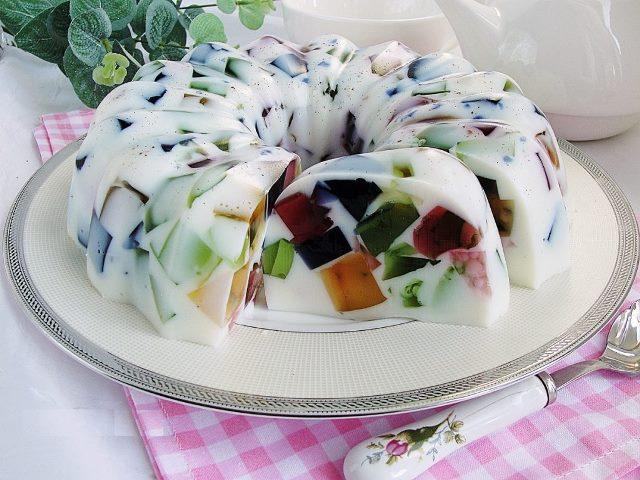 Желейный торт со сметаной. Яркий и освежающий десерт, которым можно порадовать всю семью