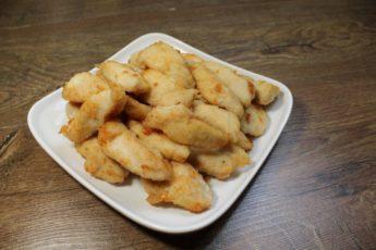 Надоели стандартные блюда из куриного филе? Тогда приготовьте аппетитнейшие наггетсы
