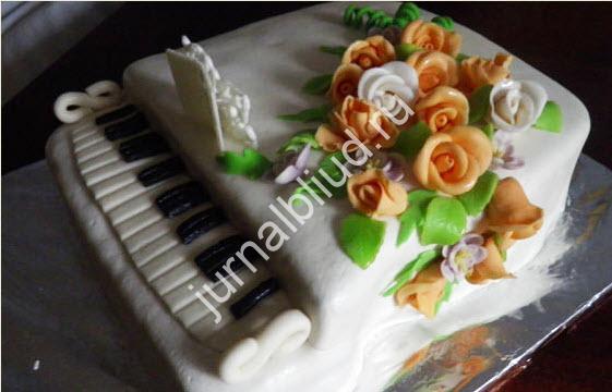 торт из мастики пианино