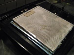 Как легко отмыть фильтр кухонной вытяжки